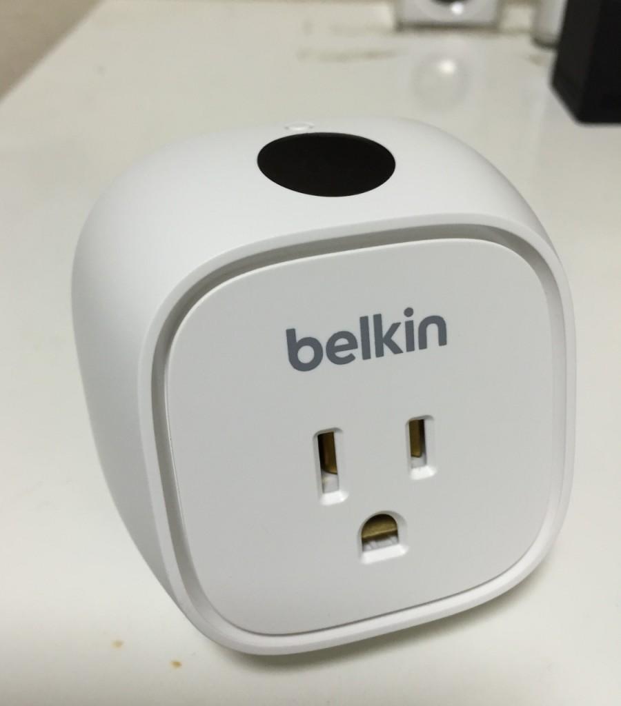 【レビュー】Belkin WeMoで家電をスマホで電源オンオフ!家の外からでも操作できるぞ!