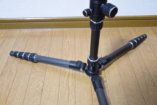 【レビュー】Amazonベーシックカーボン三脚、軽量高機能で超オススメ!