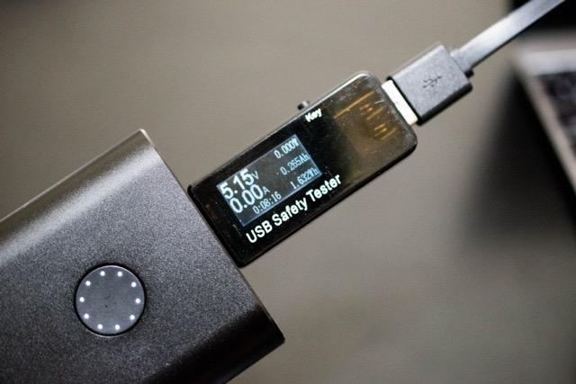 【レビュー】QC3.0対応 USBチェッカーはケーブルの性能計測に必須なアイテムだ!