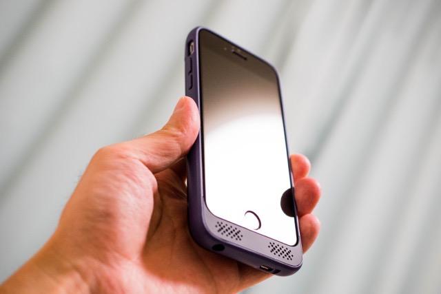 iPhone6にUgreen 3100mAhのバッテリーケースをつけて使ってみました